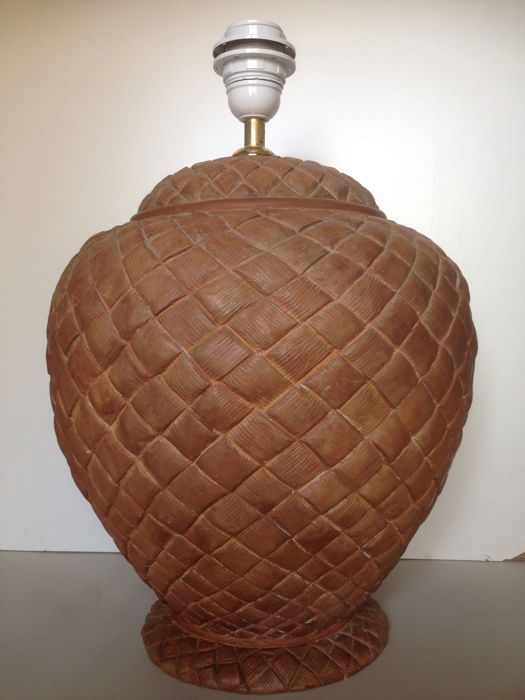 Large ceramic table lamp with engraved basket pattern - baked biscuit colour - Italy - 20th century