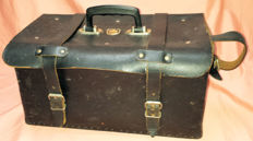 Old used leather tool case - Ideal for your classic car