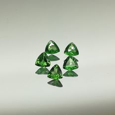 Lot of five Tsavorite garnets, 1.50 ct (in total)