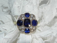 Art Deco gold diamond ring made of 750 18 kt gold with sapphire stones circa 1930