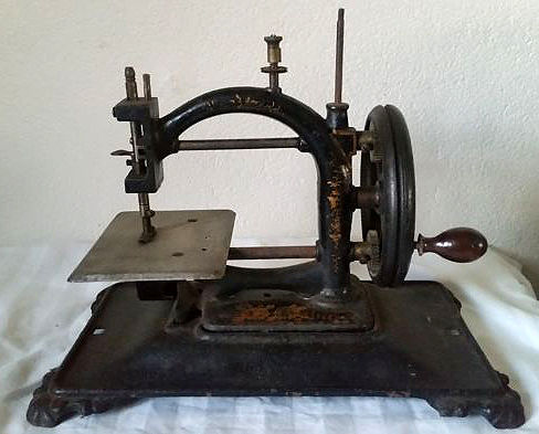 Sewing Machine Original Express Guhl Harbecks with Wooden Box Simple Original Sewing Machine