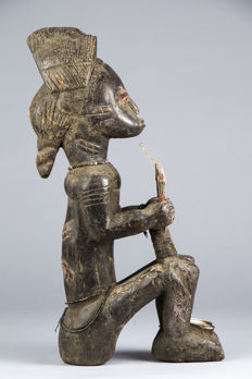 Ancient figurine of a dignitary - BAULE - Ivory Coast
