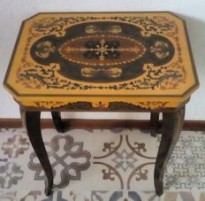 Beautiful wooden decoration table with opening top for sewing kit/jewellery etc. and with built-in music box