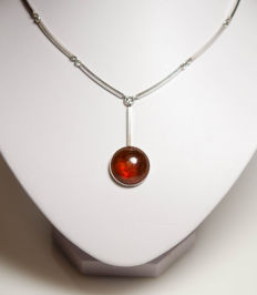 Silver necklace with beautiful amber – N.E. FROM Denmark