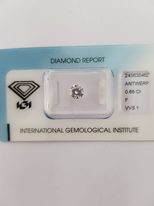 0.68 ct brilliant cut diamond, F VVS1
