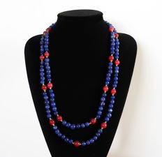 Long polished sapphires and ruby necklace - 810 ct - total length: 140 cm