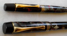 Swallow - Antique pen set -grey/red marbled pattern