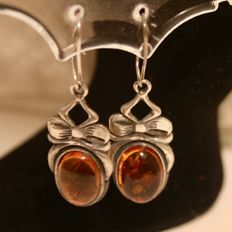 vintage  hand made silver earrings with Baltic Amber approx.  12,4 x 9 mm. each.