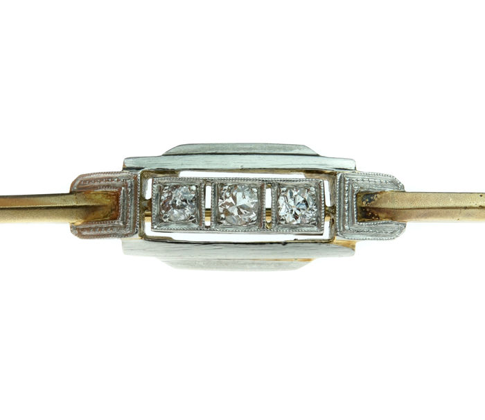 14 kt gold Art Deco bar brooch set with diamonds in a white gold setting