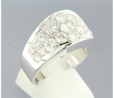 18 kt white-gold men's ring, set with 19 brilliant-cut diamonds of approx. 2.00 ct in total - ring size: 19 (60)