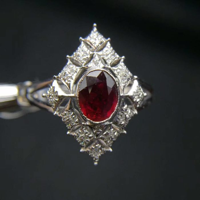 18CT gold Ring 2.14g set with 0.71ct Ruby and 0.12ct Diamonds - 6.75 US - Free Resizing