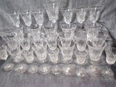 Saint-Louis – 28 glasses with bases in cut crystal