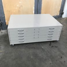 Designer unknown - Drawing cabinet, metal, with 5 drawers in total