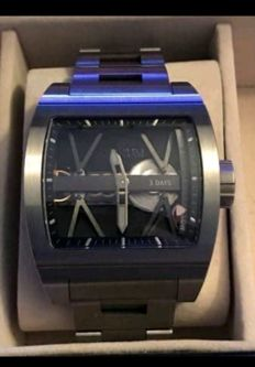Corum - TI-Bridge 3 Day Power Reserve limited edition - 2278008 - Homme - 2011-aujourd'hui