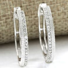 14k White Gold Hoop Earrings Set with 0.20 ct Diamond