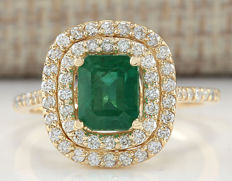 2.33 Carat Emerald 14K Solid Yellow Gold Diamond Ring - Ring Size: 7 - no reserve price -