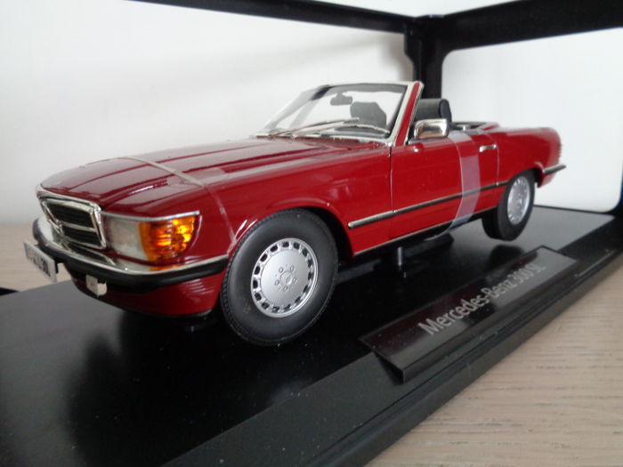 norev scale 1 18 mercedes benz 300 sl cabrio red. Black Bedroom Furniture Sets. Home Design Ideas