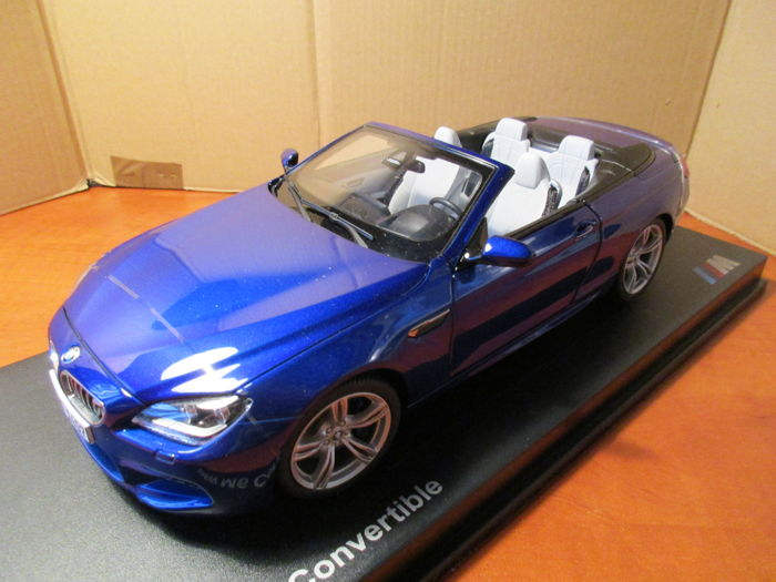 Awesome Paragon   Scale 1/18   BMW M6 Convertible   San Marino Blue