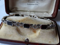 Silver Art Deco bracelet with onyx and marcasite