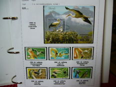 Theme: Birds 1992/2010 - Collection on 470 sheets in 2 ordners.
