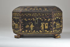 A lacquer jewellery box - China - 19th century
