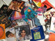 Lot of 20 albums - Soul, funk, reggea, pop - Aretha Franklin, Diana Ross, The Supremes, Nancy Wilson, Thirld world. The Manhattans, The Temptations and many others.