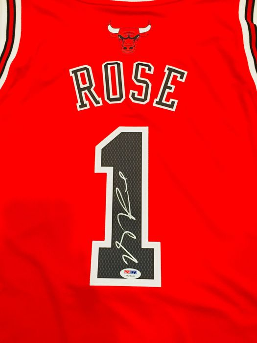 finest selection 54d47 f81cc Derrick Rose #1 / Chicago Bulls - Authentic & Original Signed ...