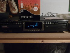 Philips CDR 765 Recorder/Player with remote control, new Maxell CDR Audio Box with 10 pcs and new analog connection cables