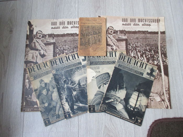 Lot Dutch war booklets, including De Wacht.