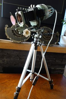 Axomal la - Tripod lamp / antique doka lamp.