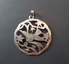 Silver Art Nouveau pendant with bird