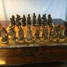 Anri chess set - Monsalvat - unique pastel painted inside with luxurious matching playing board