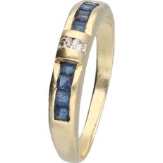 18 kt - Yellow gold ring set with sapphire and two diamonds of approx. 0.04 ct - ring size: 17.75 mm - NO RESERVE