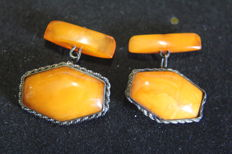 Splendid silver with natural amber cufflinks - Russia, 1930s