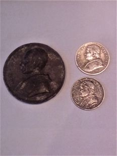 Vatican - Lot of 2 coins and 1 medal