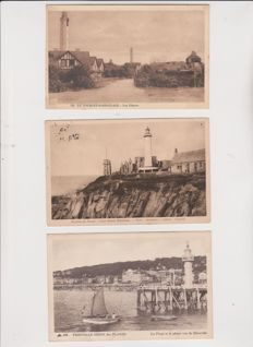 very good lot of 44 old postcards and semi modern on lighthouses