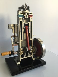 Functional four-stroke diesel engine cross-section model from 1963