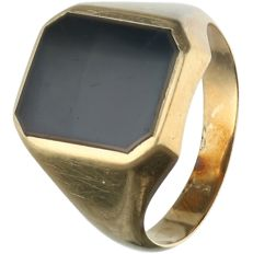14 kt - Yellow gold signet ring set with black onyx - Ring size: 20.75 mm
