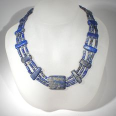 Rare Bactrian lapis lazuli necklace of tubular and spacer beads. L. 38 cm
