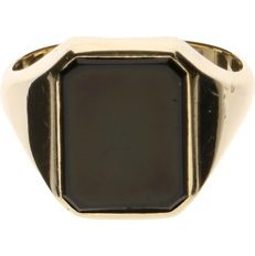 14 kt Yellow gold signet ring set with onyx - Ring size: 21.25 mm