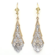 Art Déco dangle earrings in yellow gold with central diamonds weighing 0.36 ct