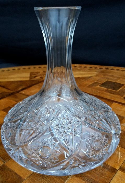 Decader bottle made of beautiful hand-cut and hand-engraved crystal Baccarat Lagny Colbert model - France 1900s