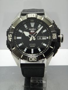 Seiko 5 Sport 100m - DayDate - 4r36 - 46mm Men's Watch 2011