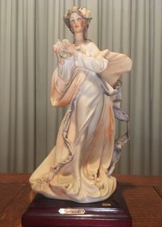 Piergianni Cedraschi - Lady with Flowers - Capodimonte Porcelain