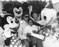 Unknown/Bandphoto -  Michael Jackson & Emmanuel Lewis Webster, Disney World, Florida, 1984