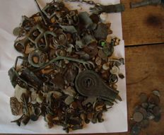 Large lot of archaeological finds / artefacts of Roman period to new time -