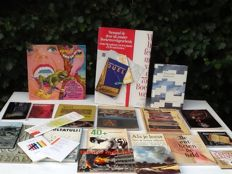 Book week gift; lot with 22 books and book related publications - 1960/2010