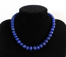 Sapphire necklace - polished oval beads - 455 ct - total length: 46.8 cm