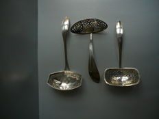 3 Silver sprinkle spoons with elongated bowl, the beginning of the 19th century, Netherlands