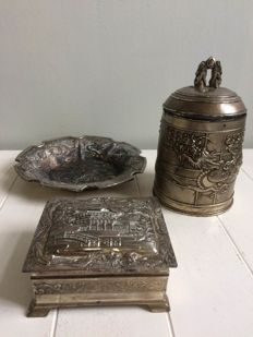 Silver plated and metal, dragon tobacco pot, cigarette box and ashtray - 1950s or younger